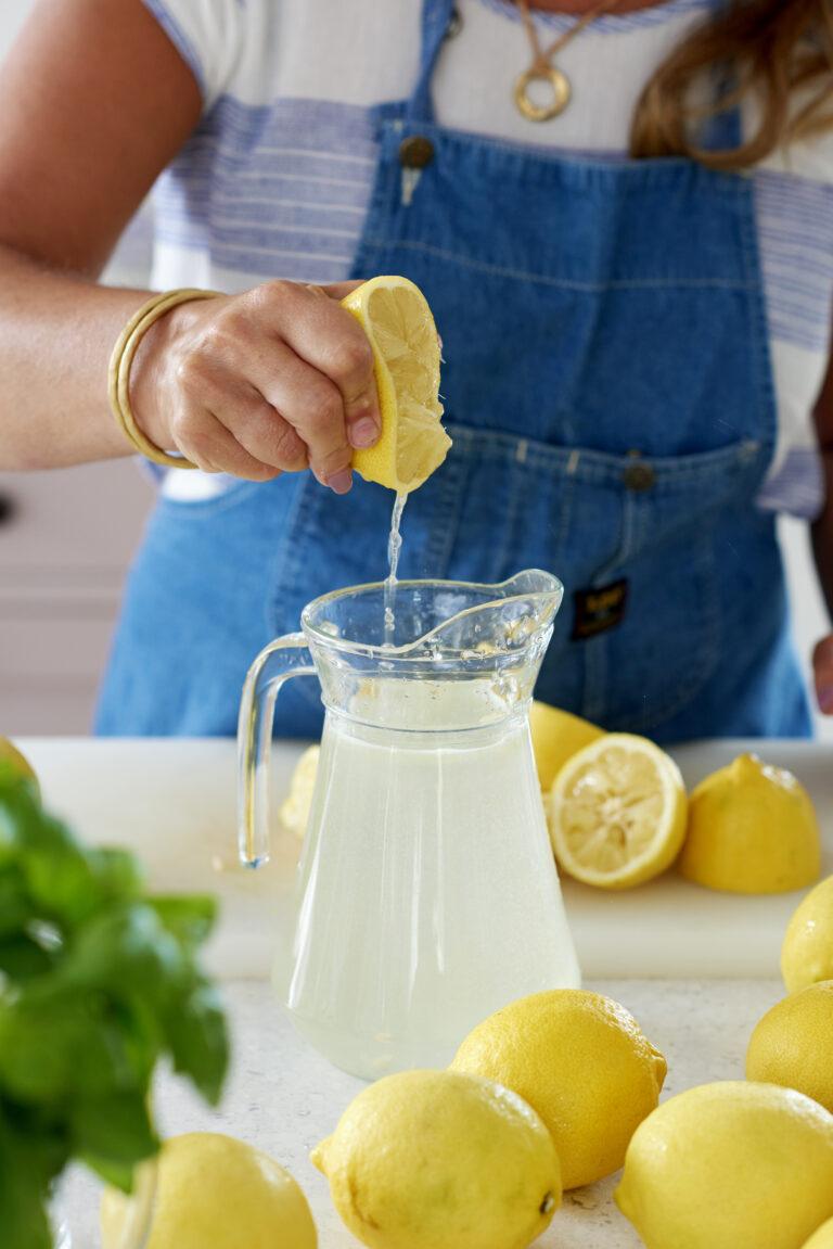 citron- och ingefärsvatten